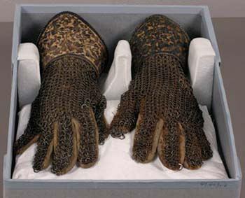 Gloves18.jpg