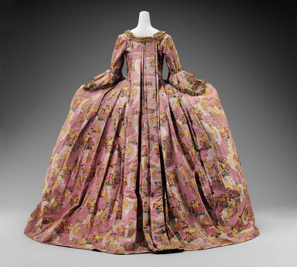 Robe A La Francaise: This Is Versailles: Look Book: Robes à La Francaise