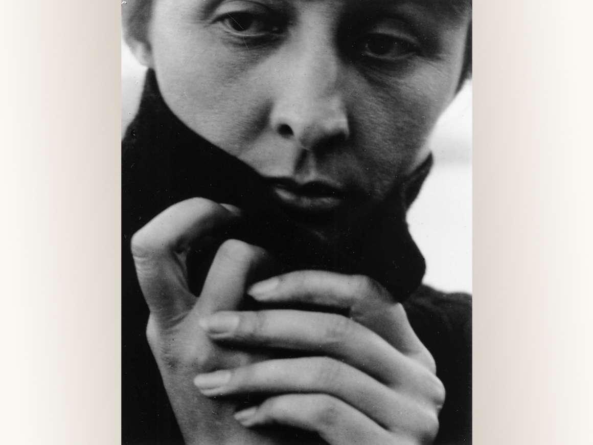 Alfred Stieglitz photograph of Georgia O'Keefe