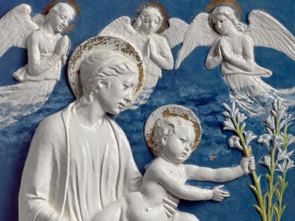 Luca della Robbia的雕塑处女和百合的细节