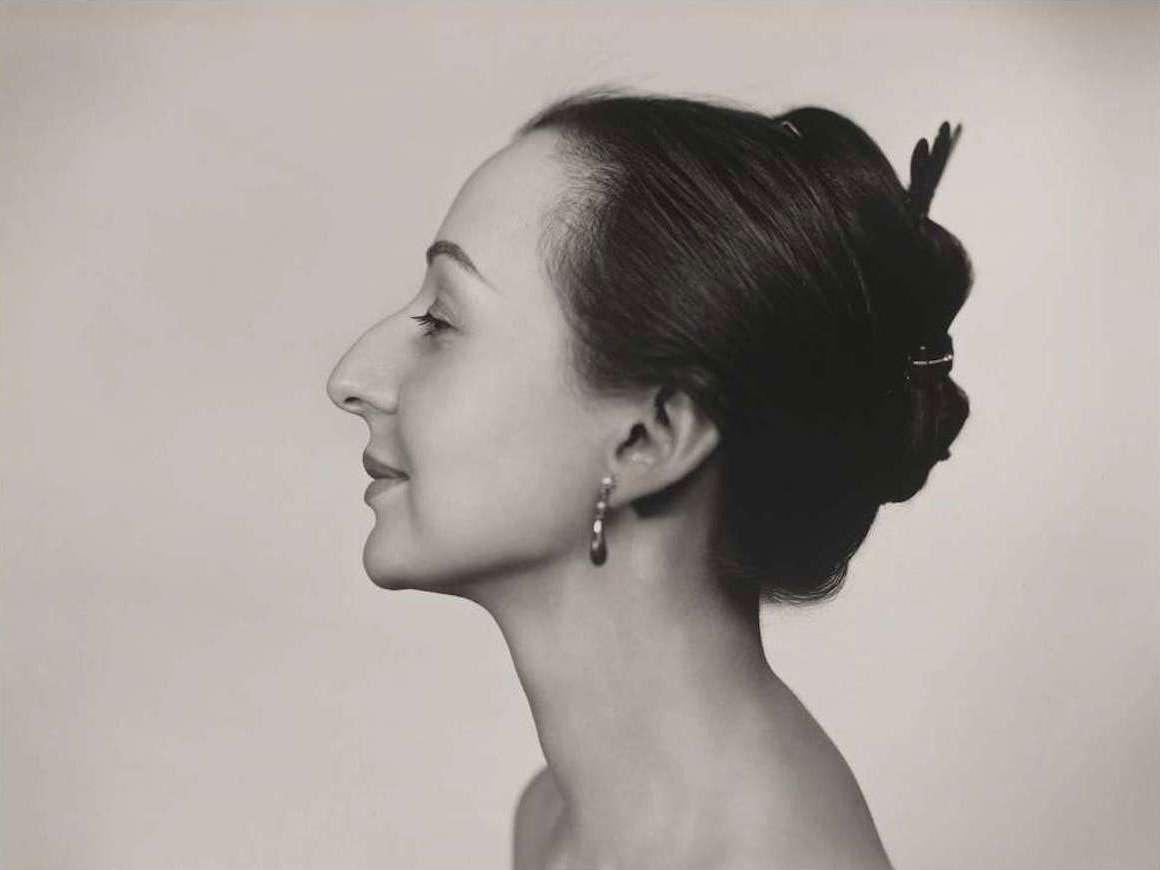 Yousuf Karsh's photograph, Estrellita Karsh (horizontal)