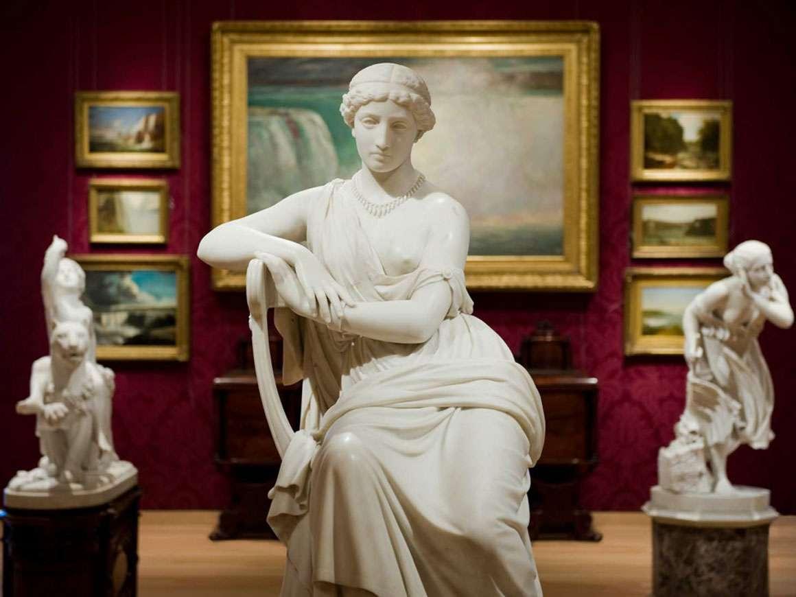 William Wetmore Story的雕塑Sappho在沙龙画廊的前景中,233