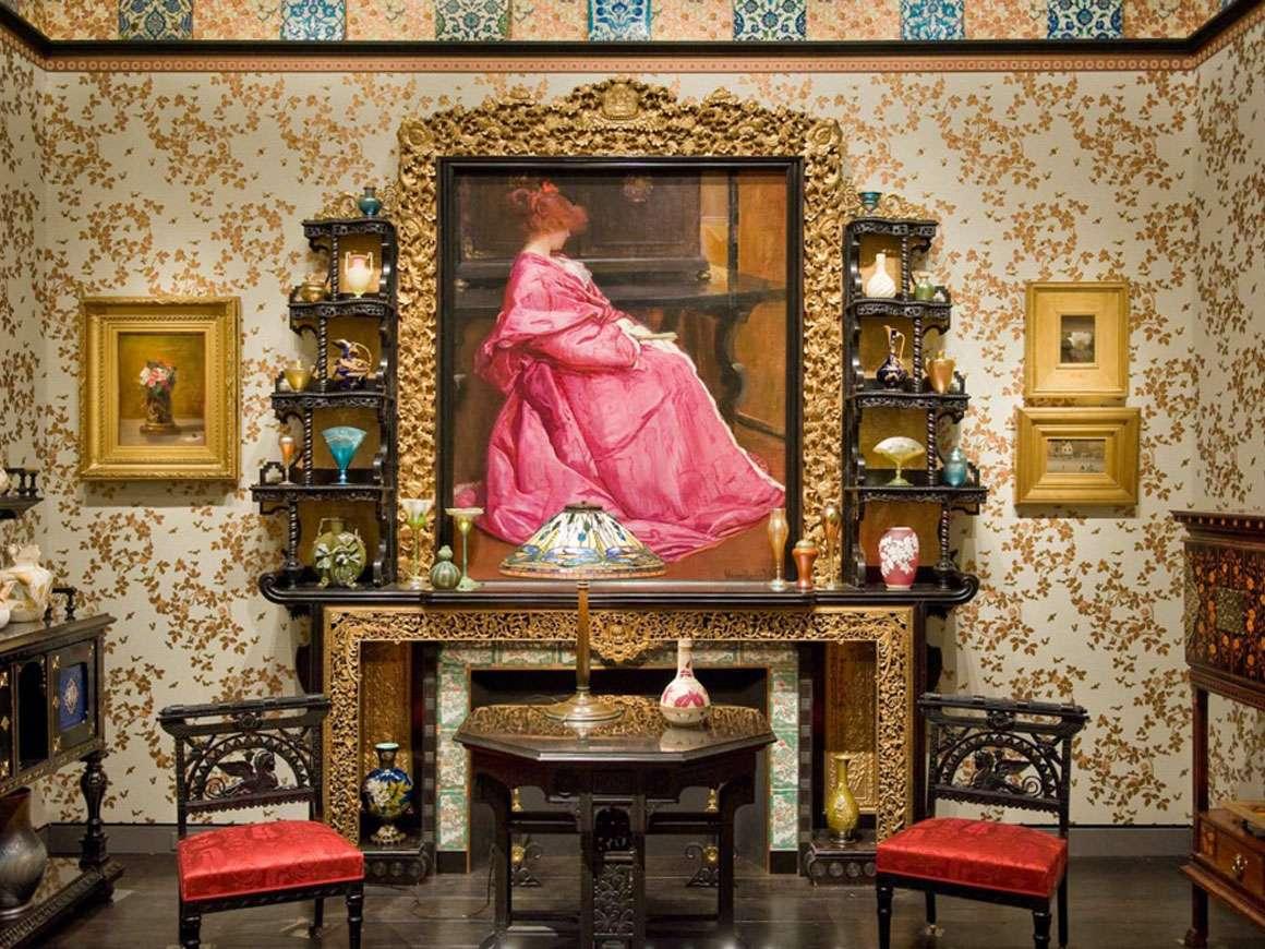 Robert P.和Carol T. Henderson画廊,228
