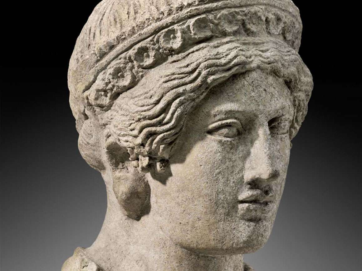 斜体,伊特鲁里亚女性的头