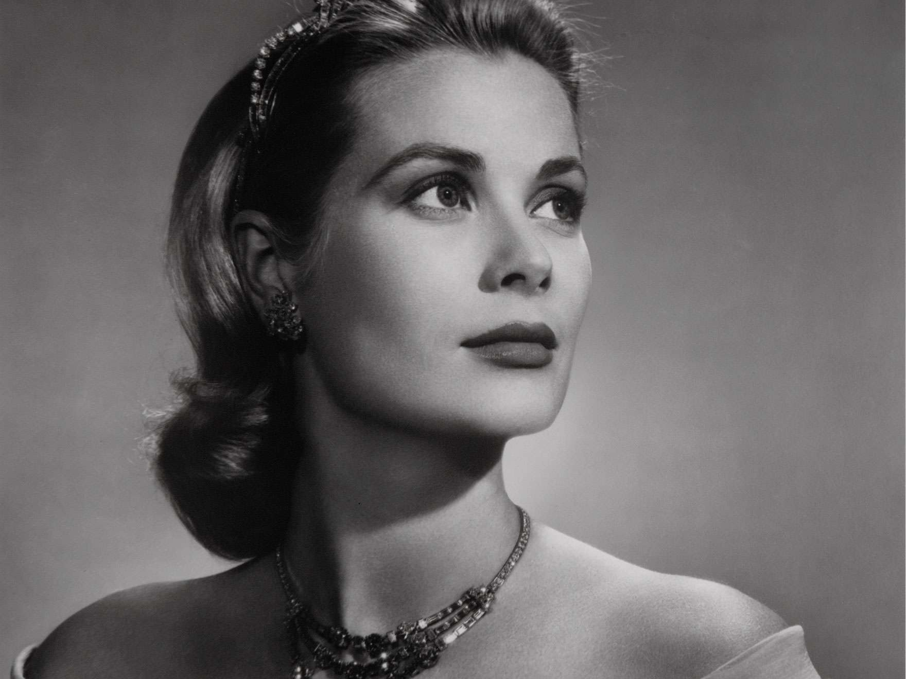 Black and white photographic portrait of Grace Kelly, Princess Grace of Monaco, 1956.