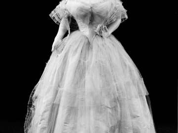 Wedding dress worn by ella lowell who married arthur lyman for Wedding dresses lowell ma