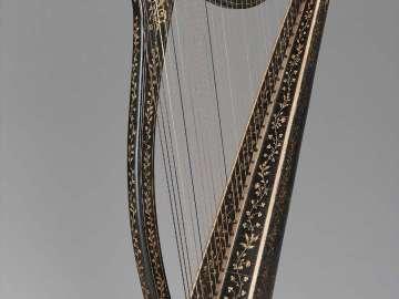 Portable Irish harp