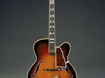Arch-top guitar (New Yorker model)