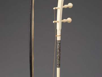 Fiddle (so duang) and bow