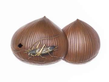 Kanamono in the form of a cricket on two chestnuts
