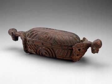 Treasure box (waka huia)