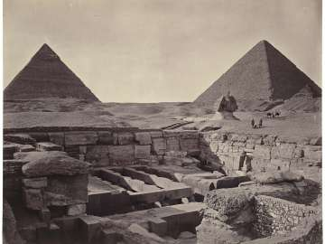 The Giza pyramids of Khufu and Khafra, the Great Sphinx, and the valley temple of Khafra in the foreground, looking northwest