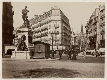 Statue d'Etienne Dolet, Place Maubert, Paris