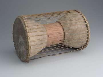 Hourglass drum