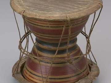 Hourglass drum (udäkki)