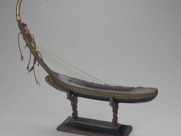 Miniature arched harp (saùng-gauk) and stand