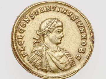 Medallion (1 1/2 solidi) with bust of Constantine II, struck under Constantine I