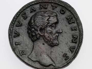 Sestertius with head of Divus Antoninus Pius, struck under Marcus Aurelius