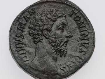 Sestertius with head of Divus Marcus Aurelius, struck under Commodus
