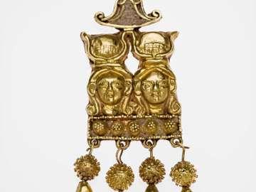 Double Hathor head earring