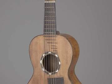 Alto guitar