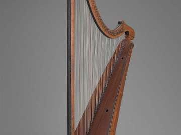Triple harp (telyn deires)