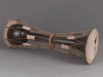 Hourglass drum (zhanggu)