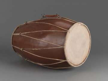 Double-conical drum (kendhang ageng)