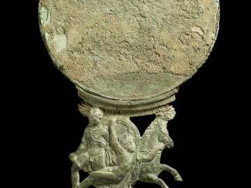 Mirror and handle with Achilles and Troilus