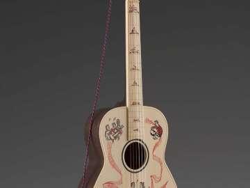 Guitar (Romancer model)