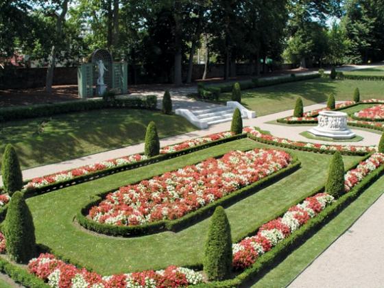 722_gardens_course_v2jpg