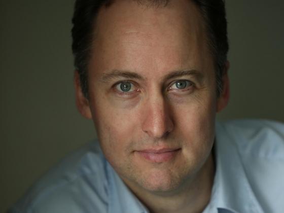 Sebastian Smee Headshot