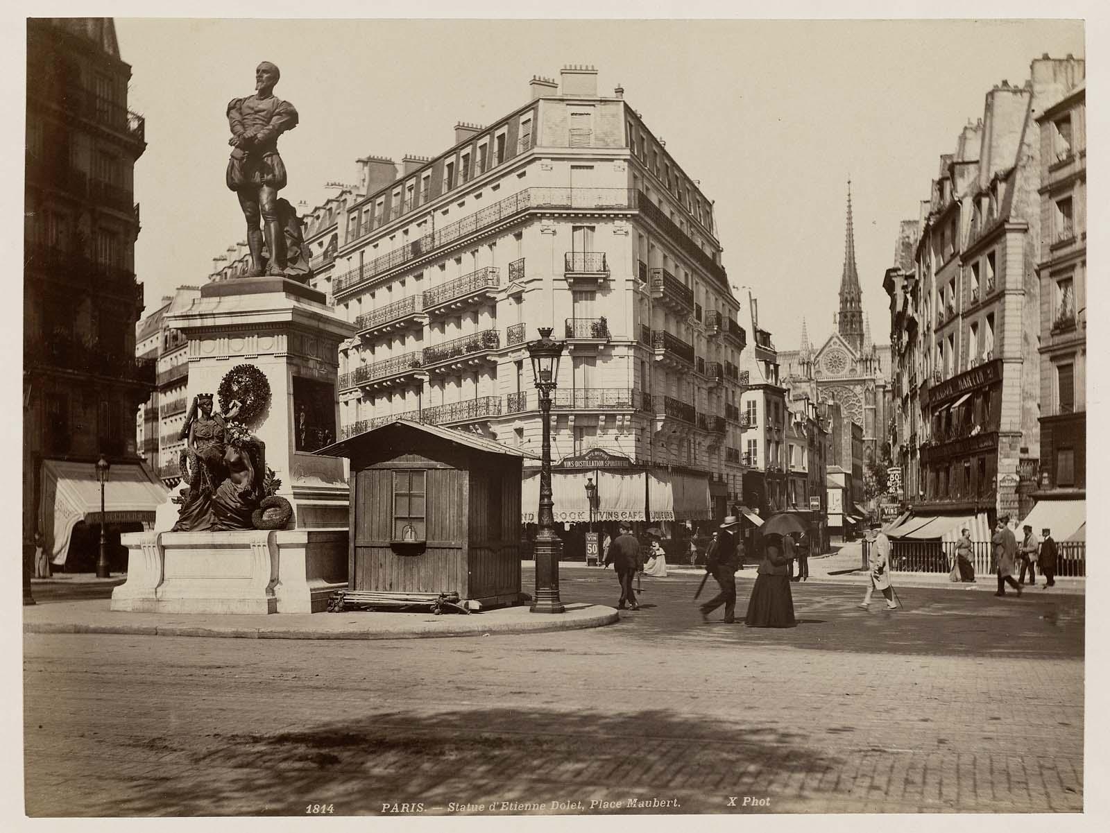 Statue D Etienne Dolet Place Maubert Paris Museum Of