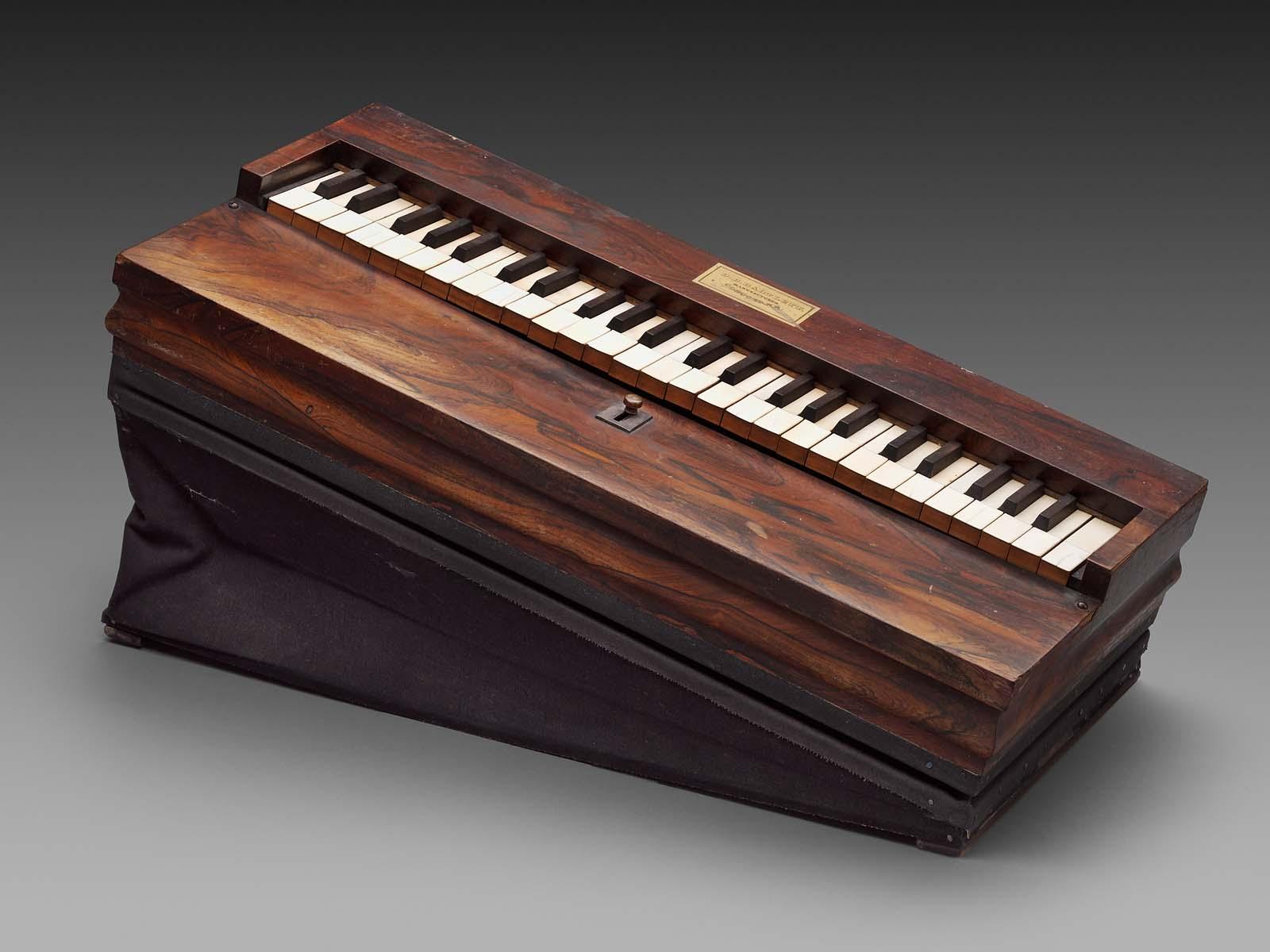 Melodeon Lap Organ Museum Of Fine Arts Boston