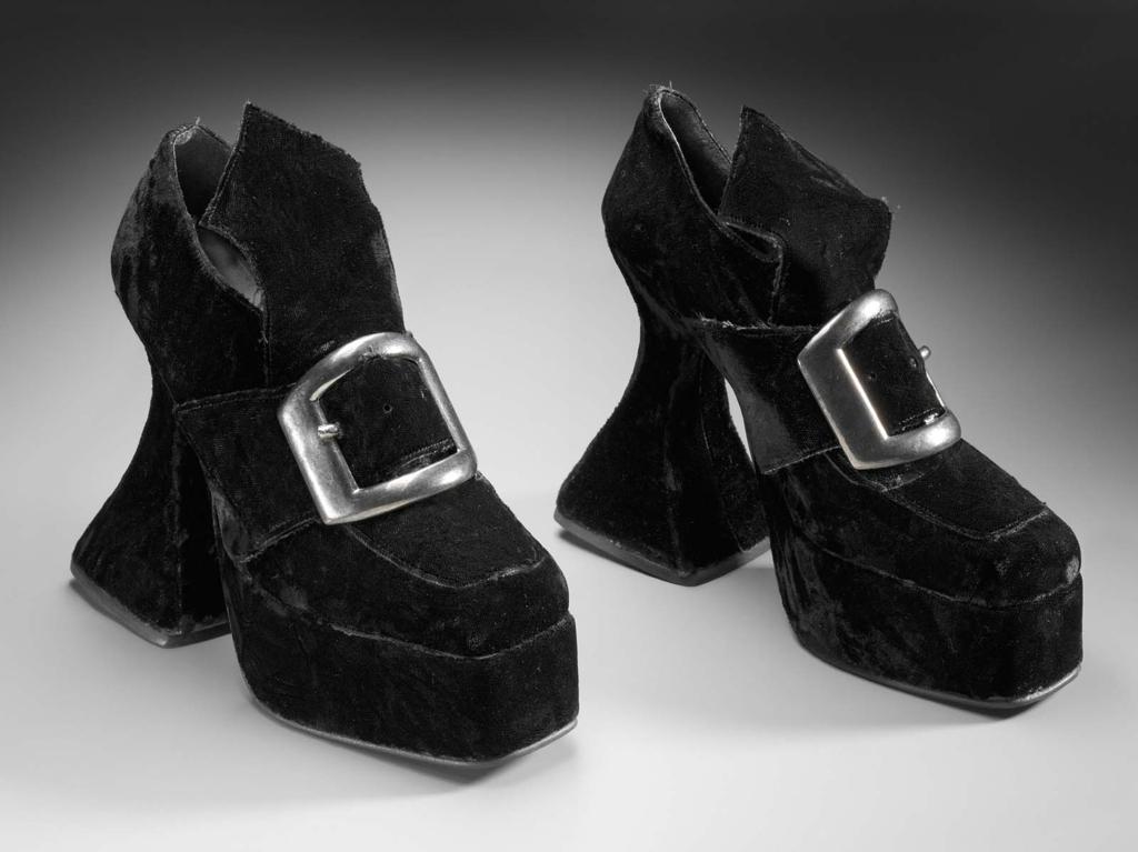 6467370b2ea Pair of woman s platform shoes