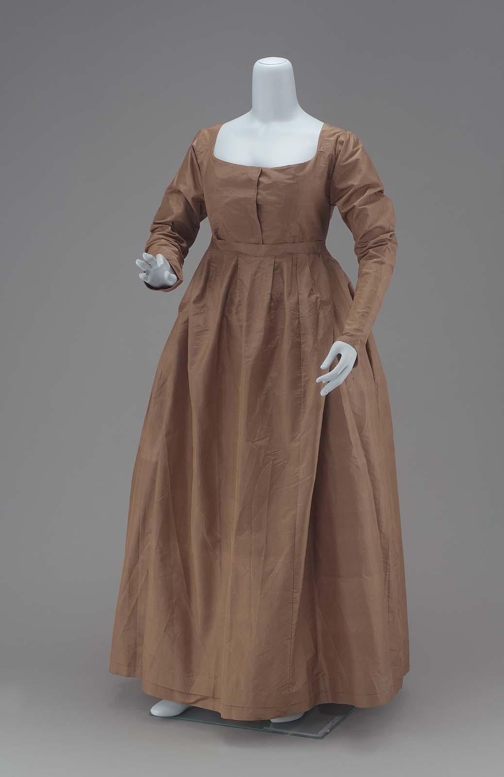 A Quaker's Dress Of Greenish-brown Taffeta