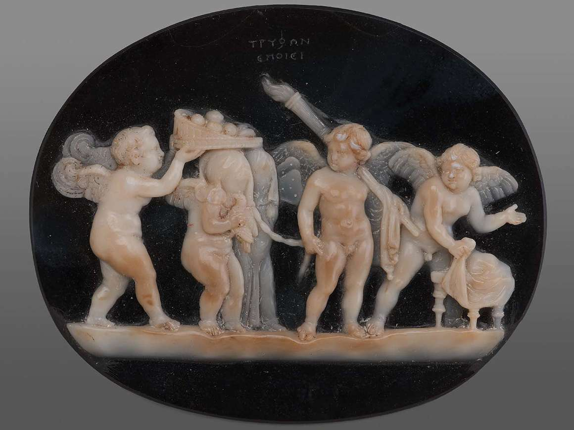 Cameo with the wedding of Cupid and Psyche, or an initiation rite, Roman Late Republican or Early Imperial Period, 50–25 B.C.