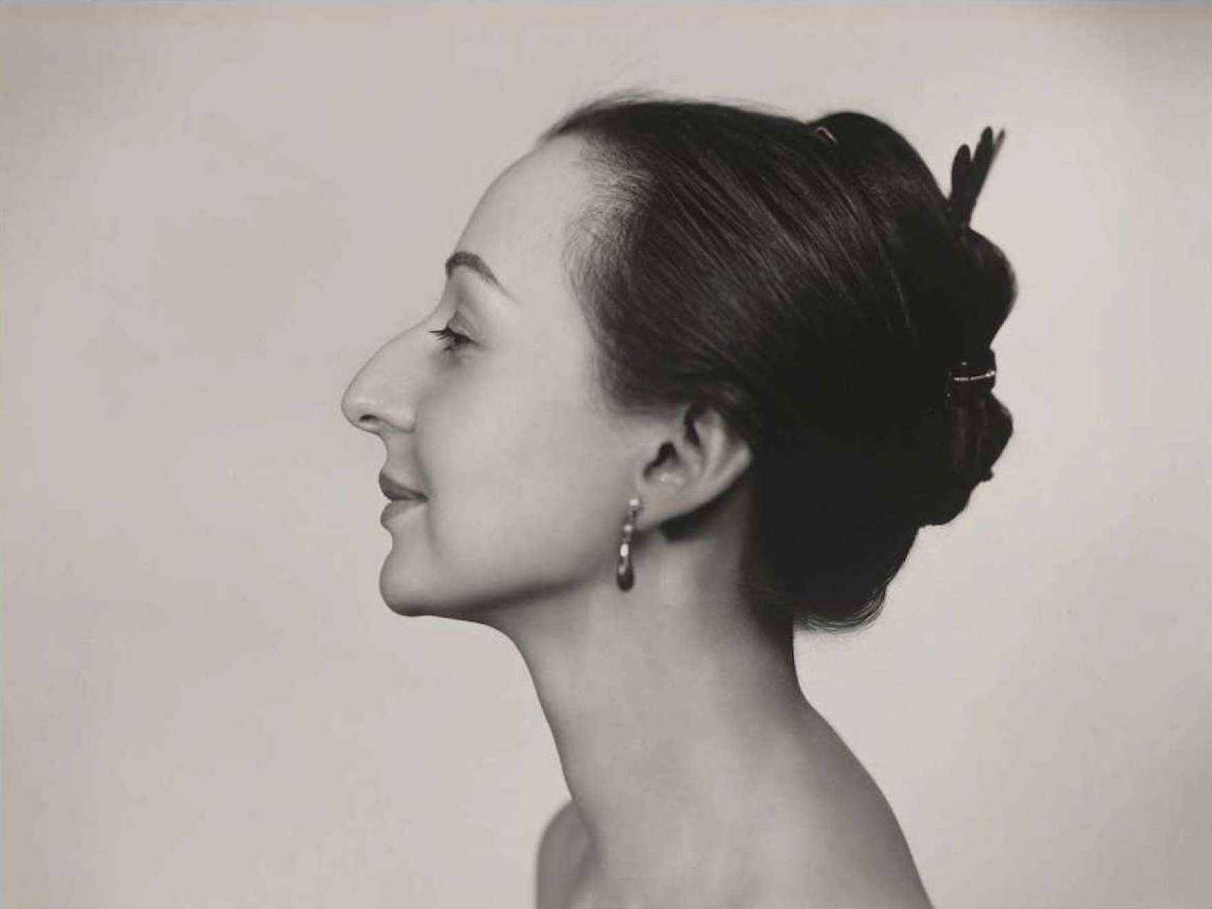 Yousuf Karsh's photograph, Estrellita Karsh (horizontal)