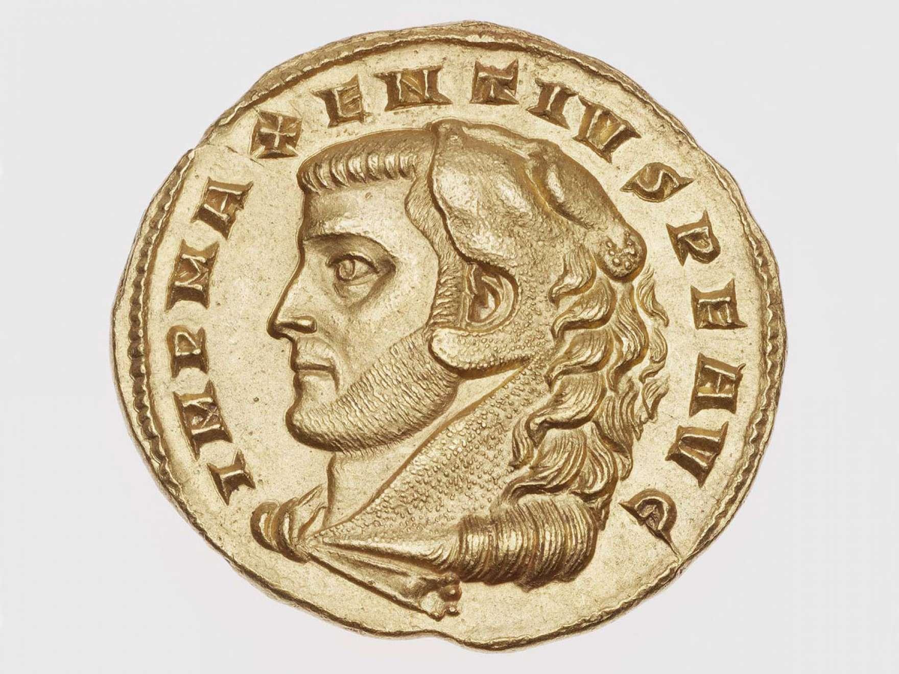 Roman medallion of two aurei with head of Maxentius