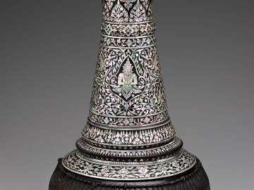 Goblet drum (thon mahori)