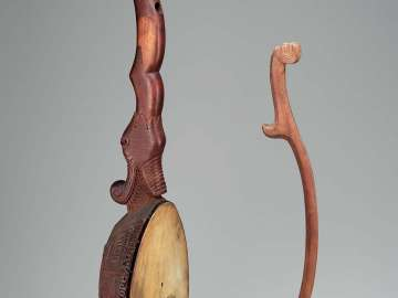 Fiddle (gusle) and bow