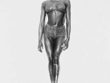 Naomi, Full Length, Los Angeles