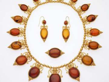 Necklace in the archaeological revival style