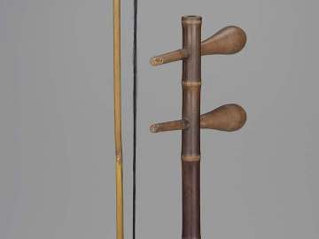 Fiddle (jinghu) and bow