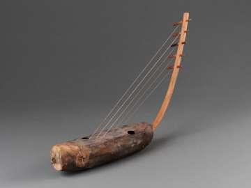 Arched harp (kundi?)