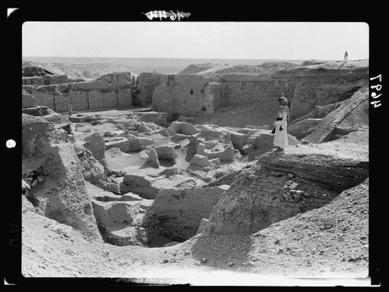 American Colony (Jerusalem), Photo Dept., photographer, Iraq. Ur. (So called of the Chaldees). A general view of the ruins, 1932