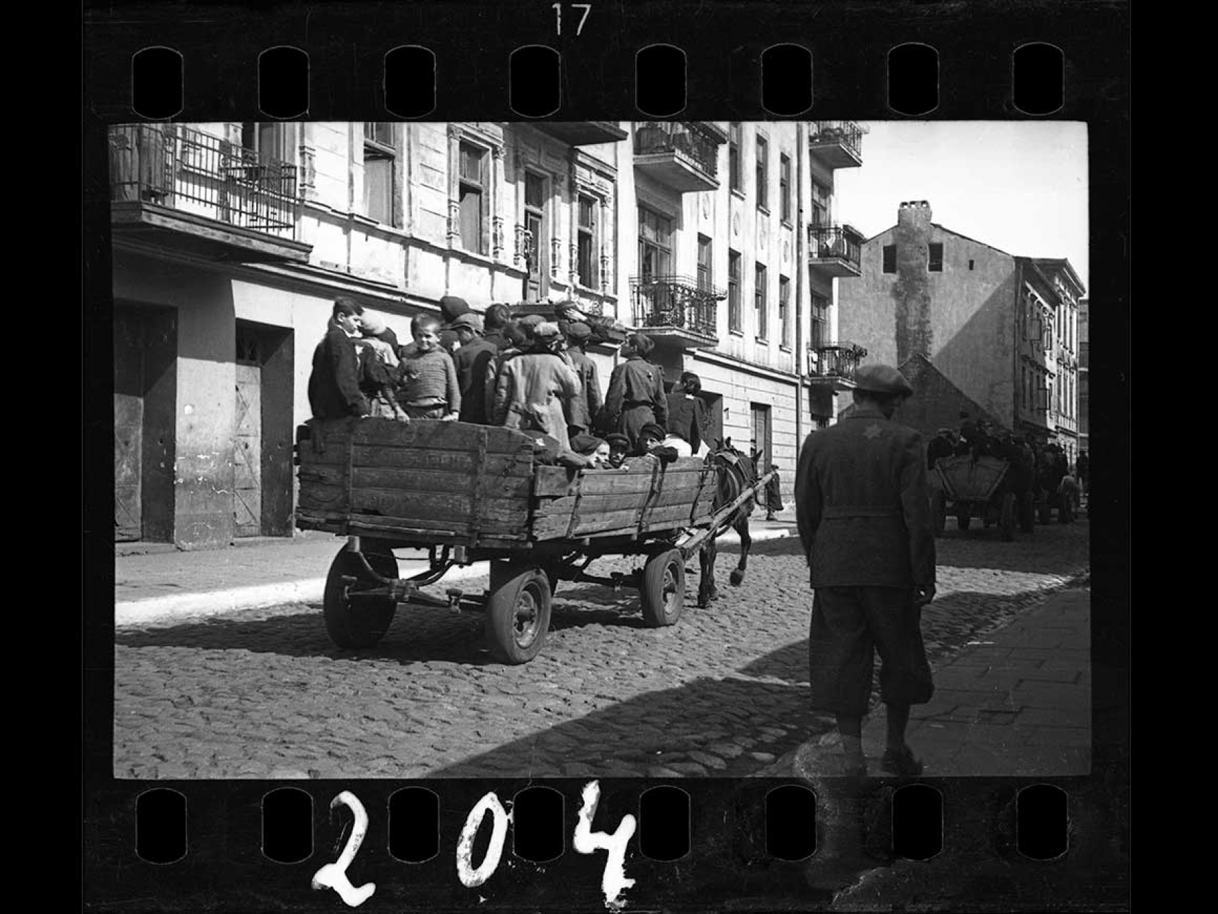 Henryk Ross's photograph, Children being transported to Chelmno nad Nerem (renamed Kulmhof) death camp, 1942